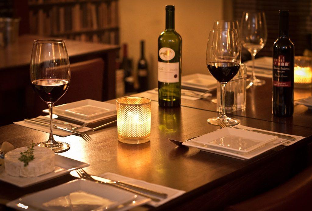 bistro, wine, romantic-2594762.jpg
